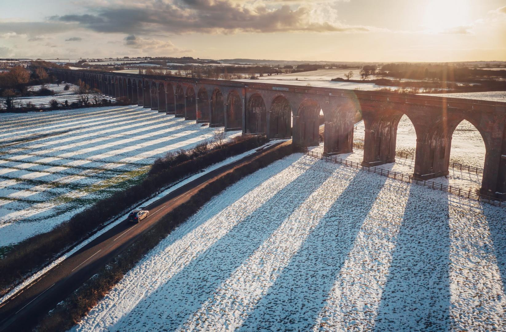 Volkswagen Golf 8 R (2021) drone brug sneeuw