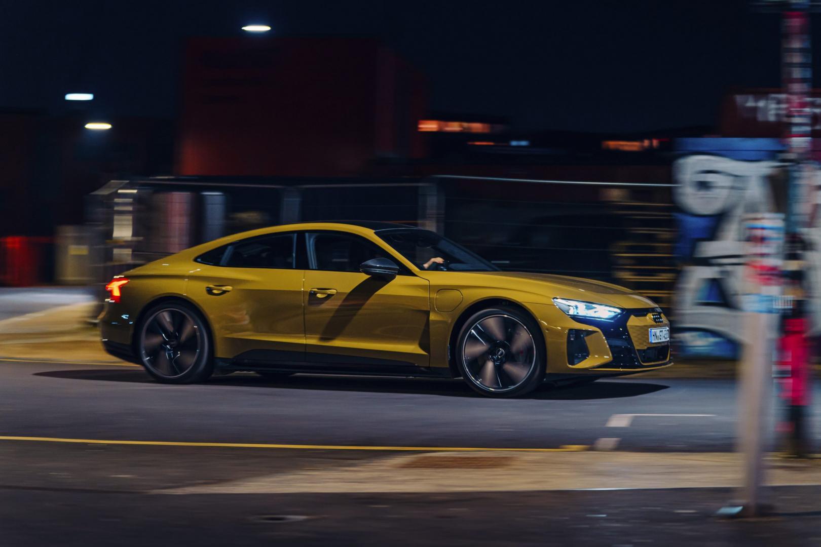 Audi RS e-tron GT (2021) zijkant