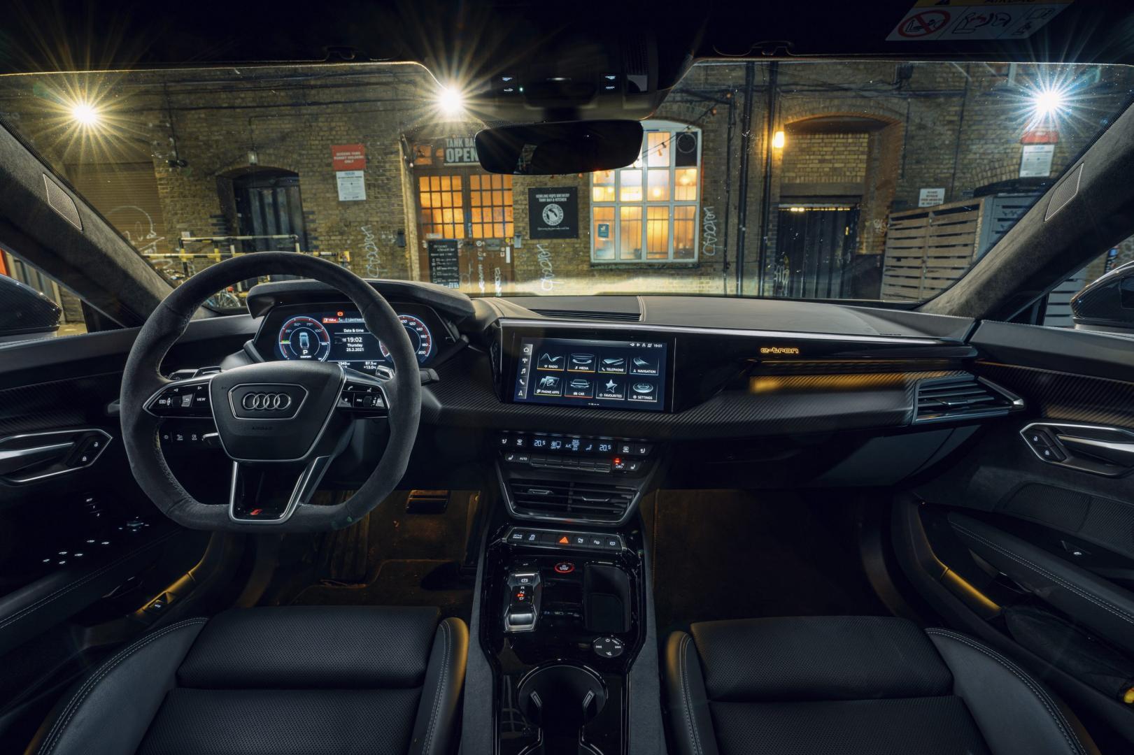 Audi RS e-tron GT (2021) interieur