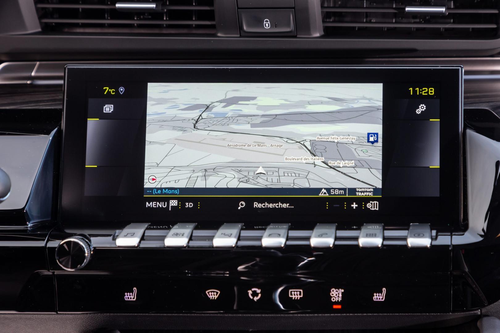 Peugeot 508 PSE HYbrid 360 navigatiescherm