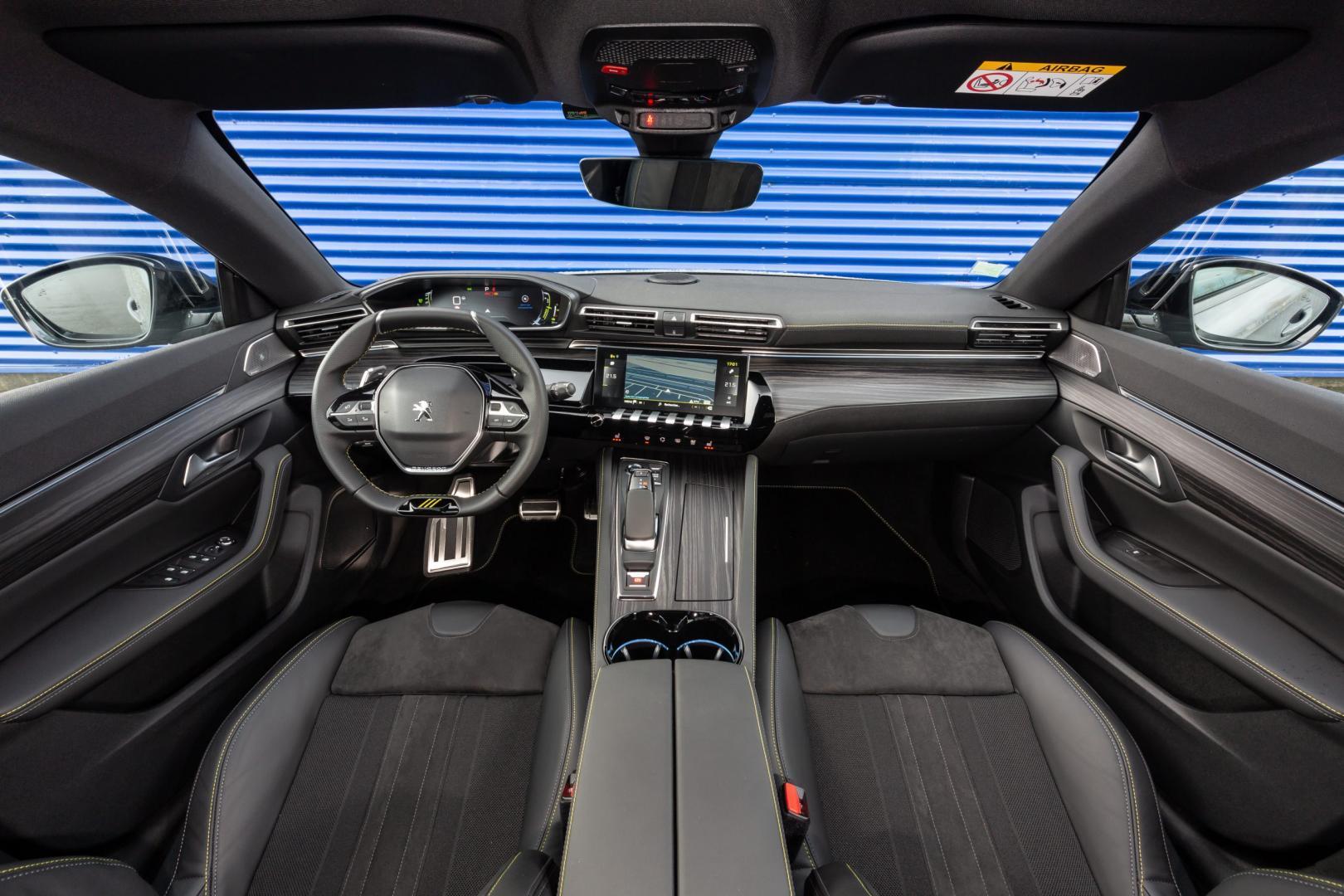 Peugeot 508 PSE HYbrid 360 interieur en dashboard
