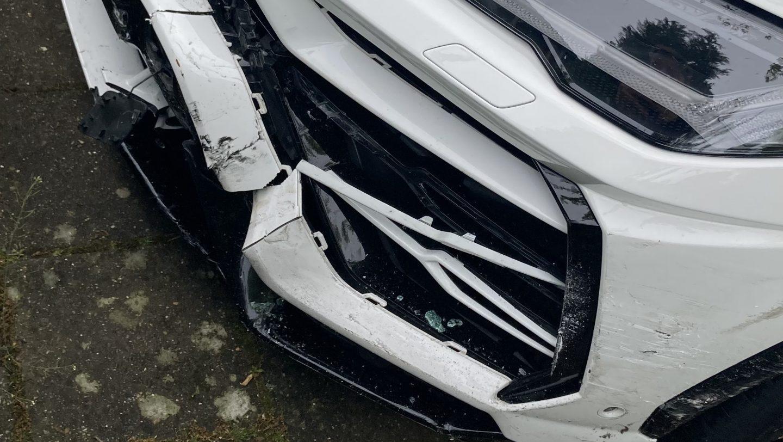 Lamborghini Urus met schade (crash)