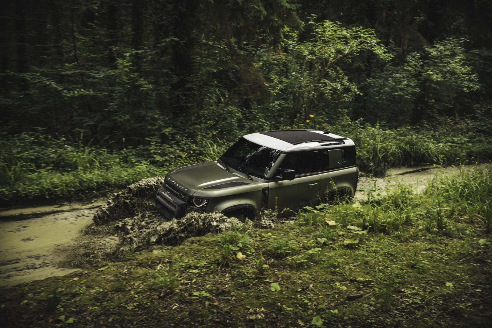 Land Rover Defender 90 HSE P400 MHEV