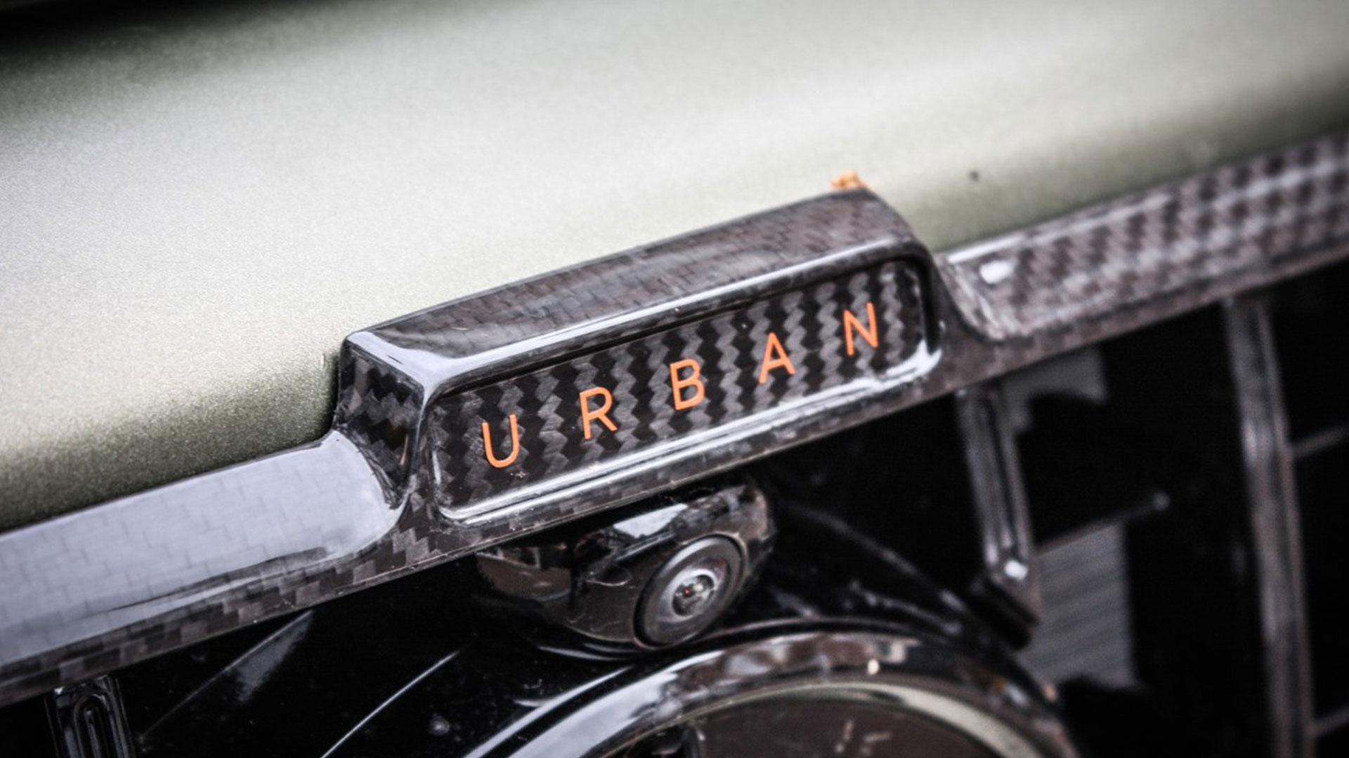 Mercedes G-klasse Urban met grijs kenteken