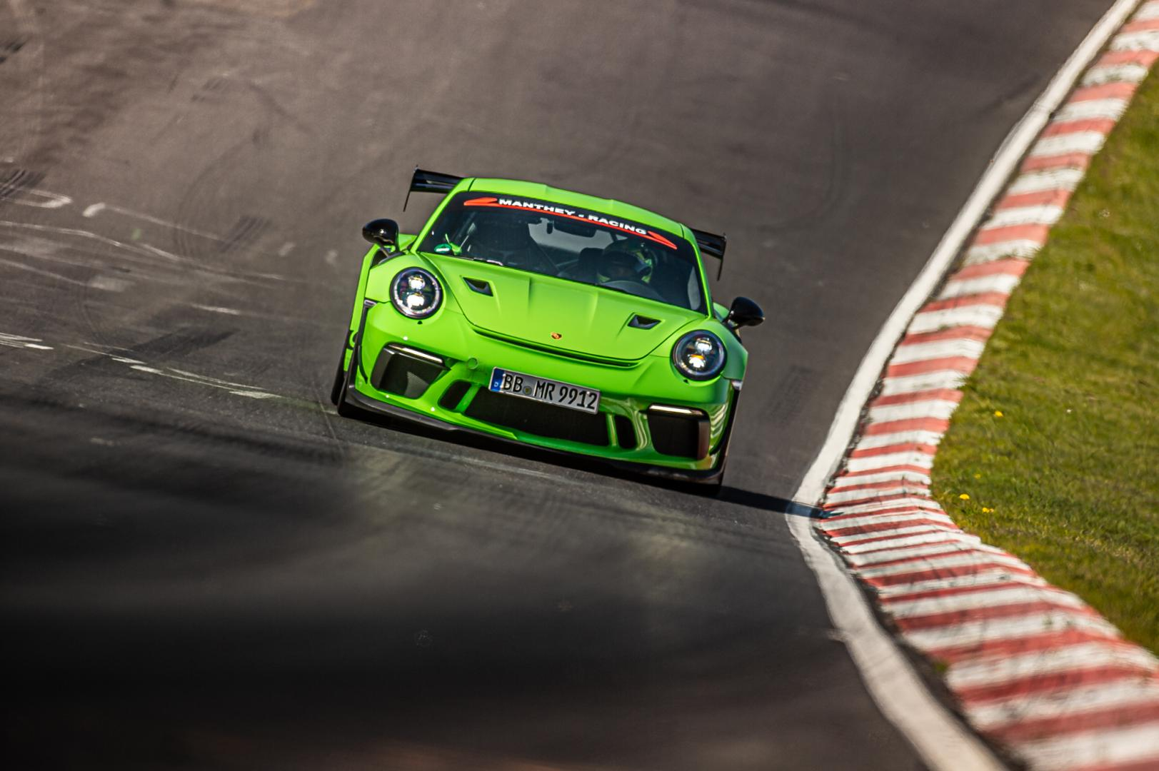 Porsche 911 GT3 MR (Manthey Racing) op de Nürburgring Nordschleife