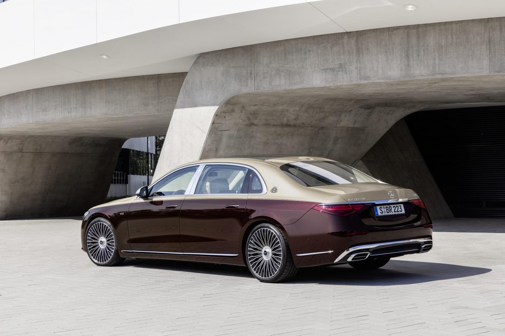 Mercedes-Maybach S 680 (met two-tone en V12)