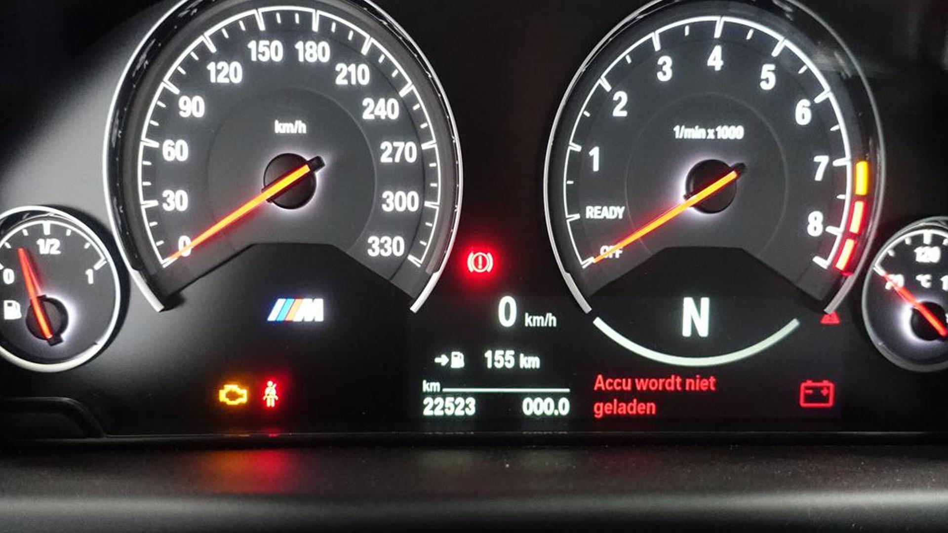 BMW M3 CS Grijs bij Domeinen tellers