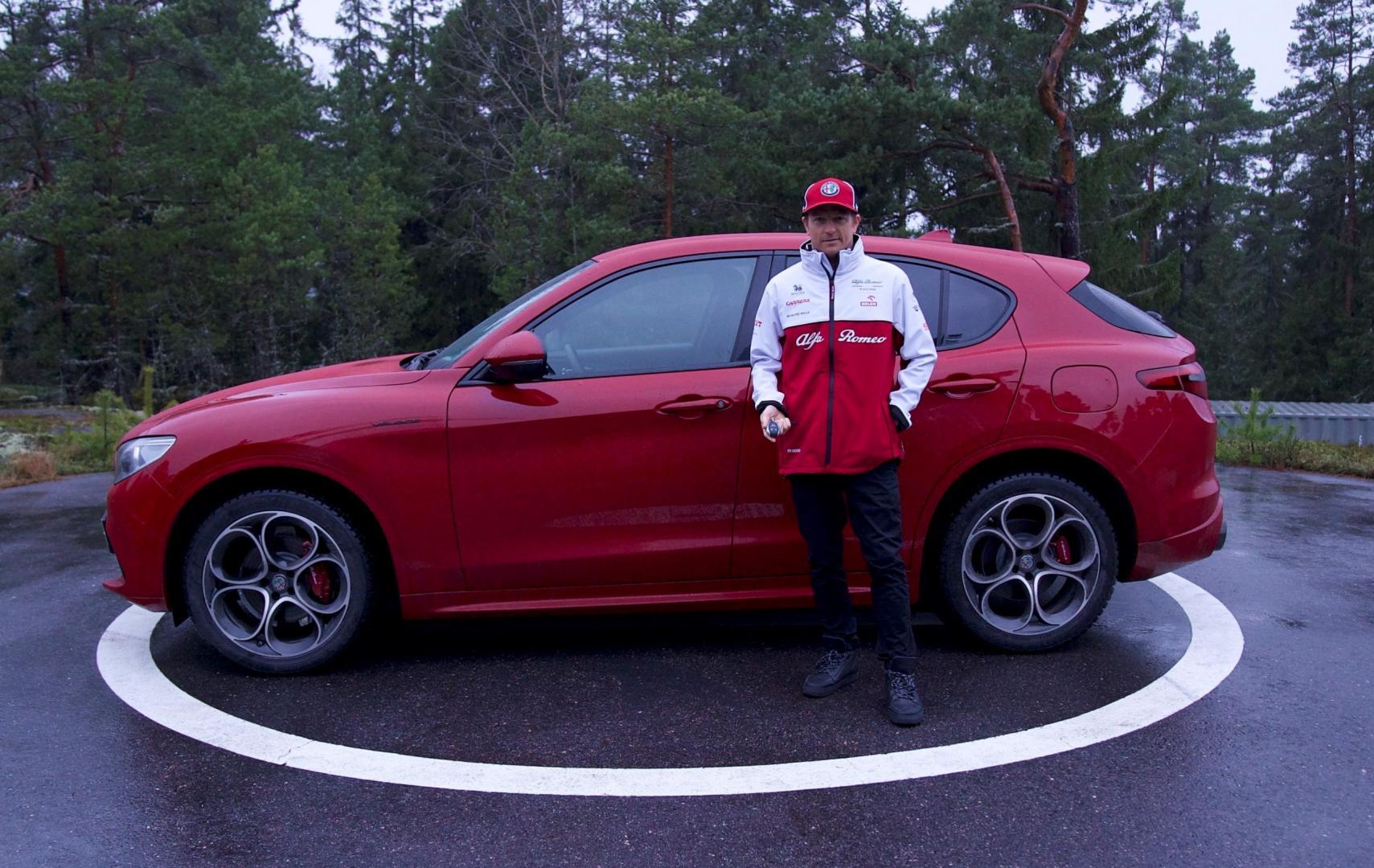 Hagel sloopt Alfa van Kimi Räikkönen