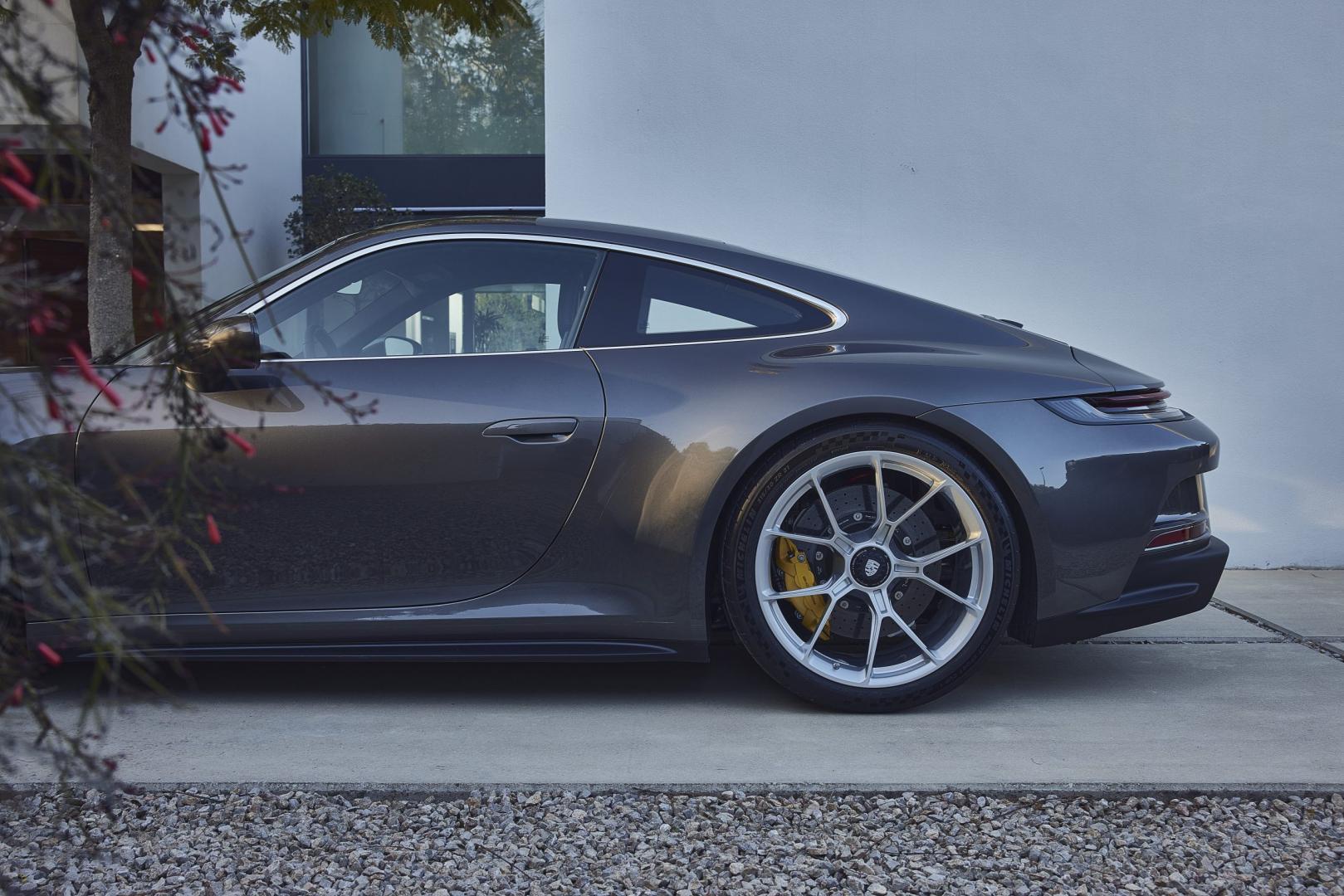 Zijkant Porsche 911 GT3 Touring