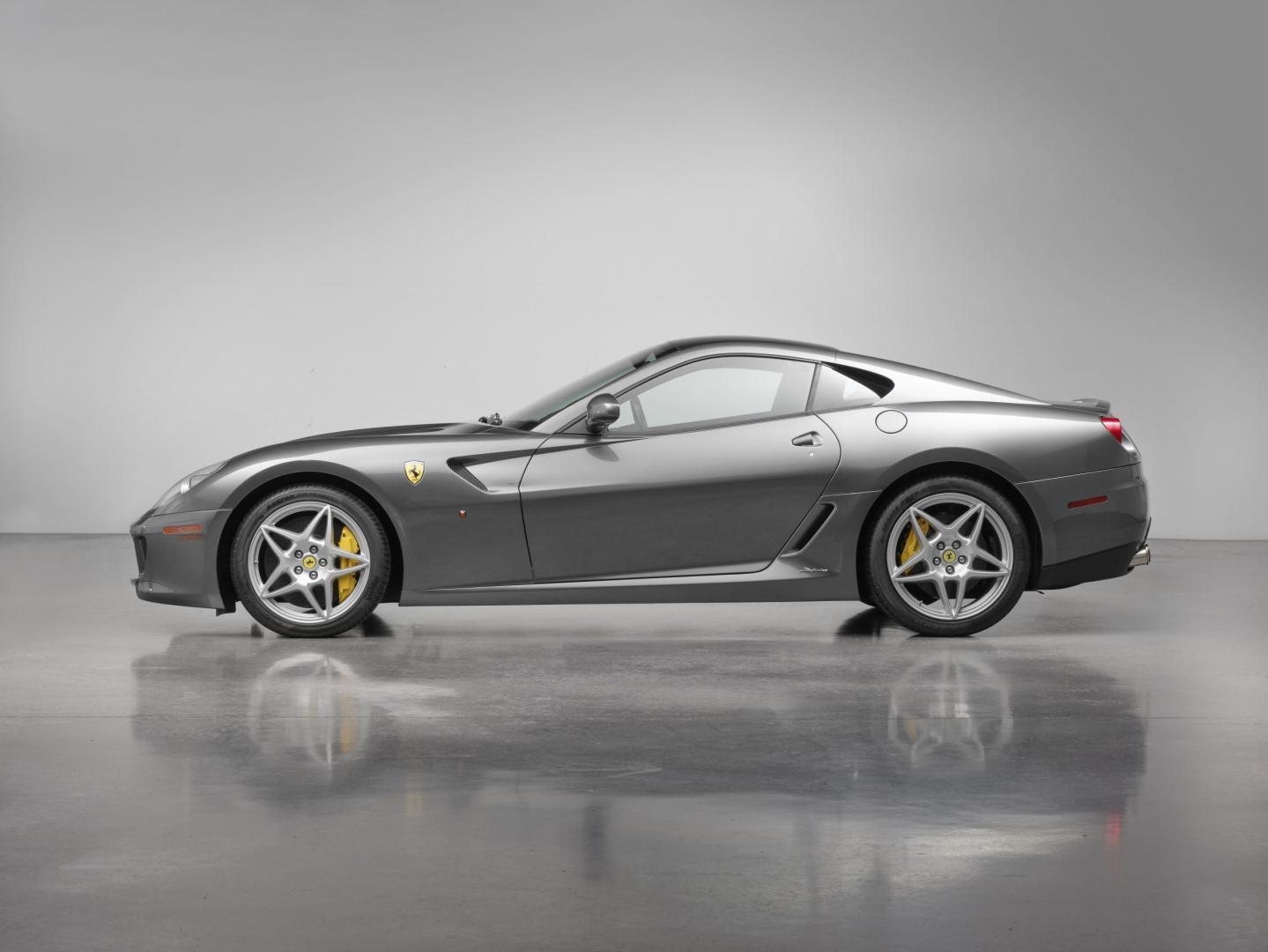Ferrari 599 GTB Fiorano met handbak