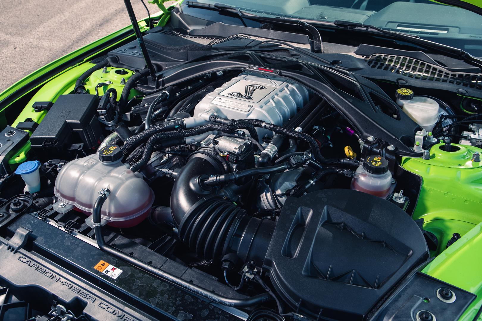 V8 Ford Mustang Shelby GT500 (motor)