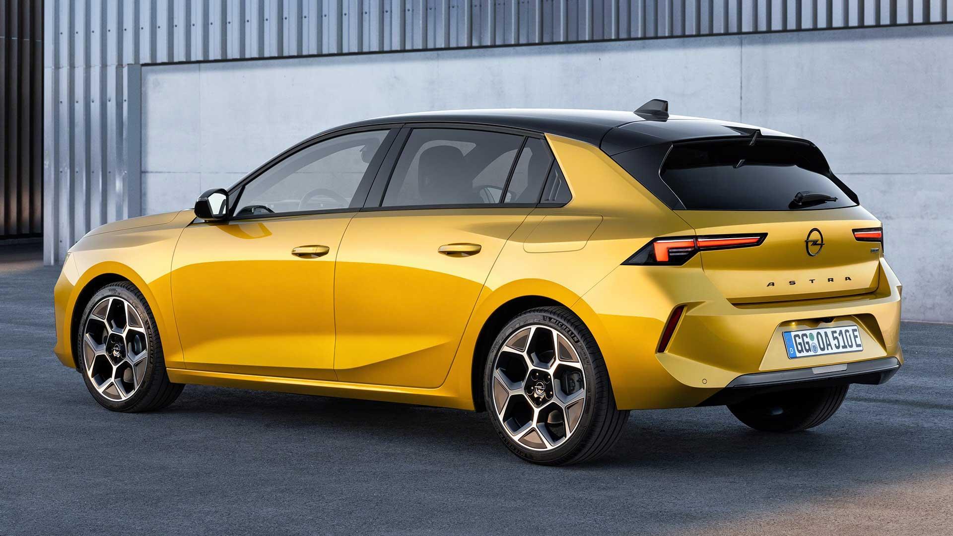 Achterkant Opel Astra (2021)