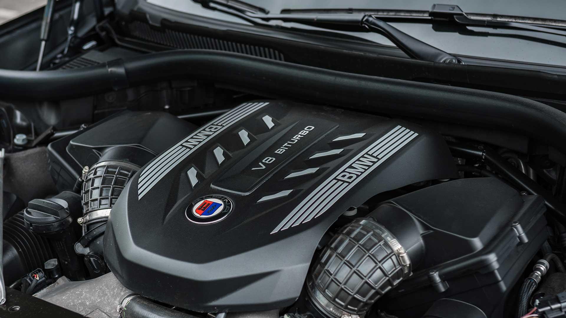 V8-motor Alpina XB7 Nederland (BMW)