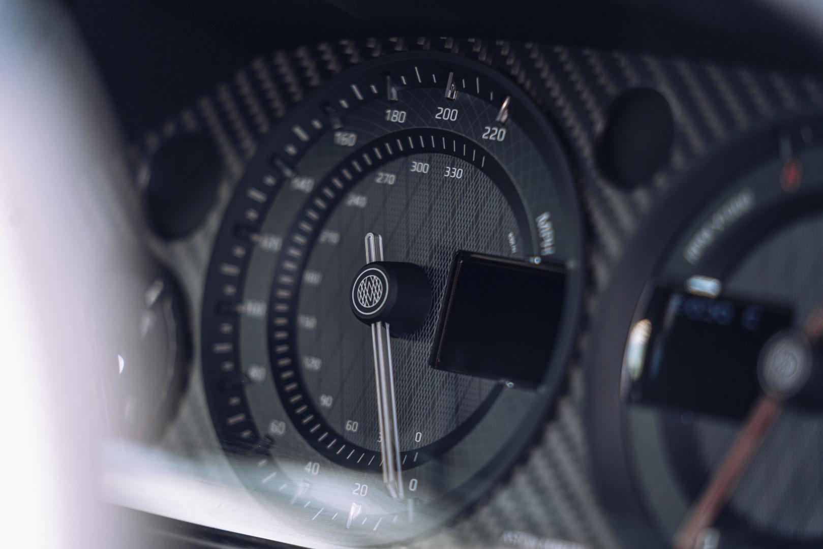 Aston Martin teller
