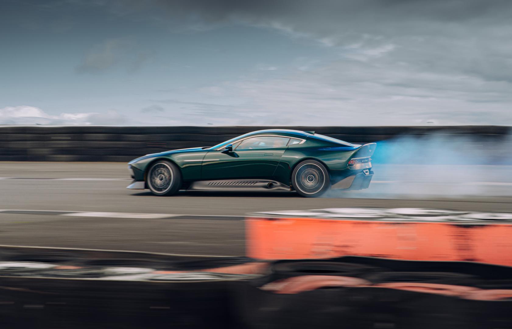 rook Aston Martin Victor