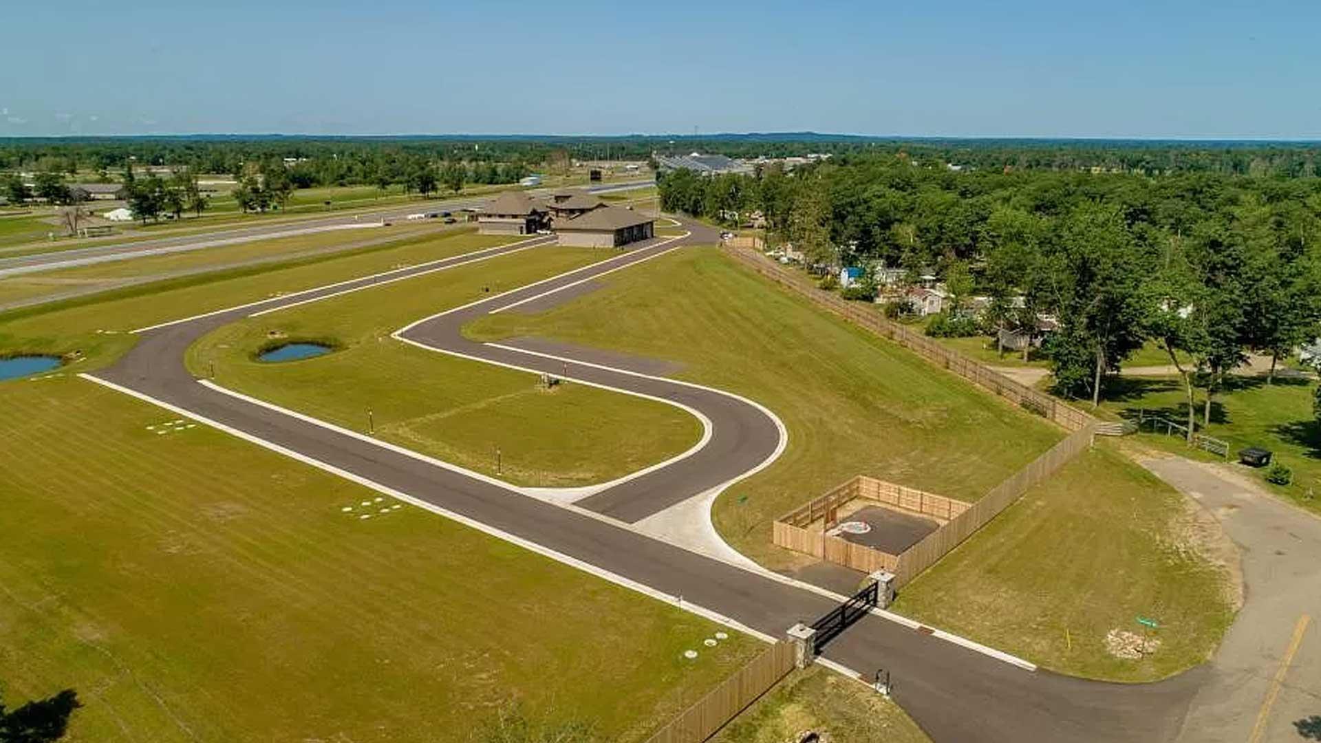 Huis met garage Brainerd Raceway