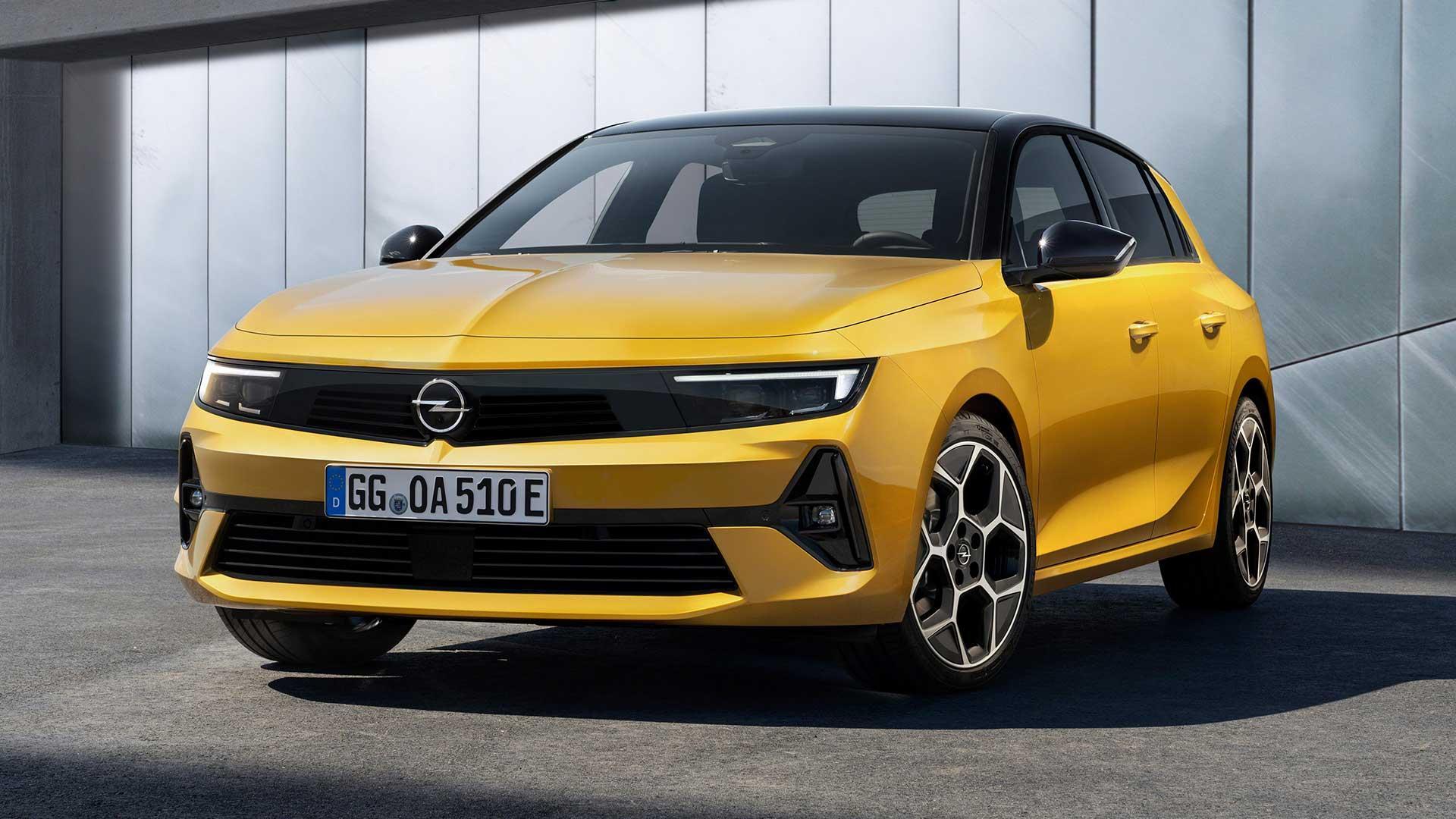 Opel Astra (2021) (geel)