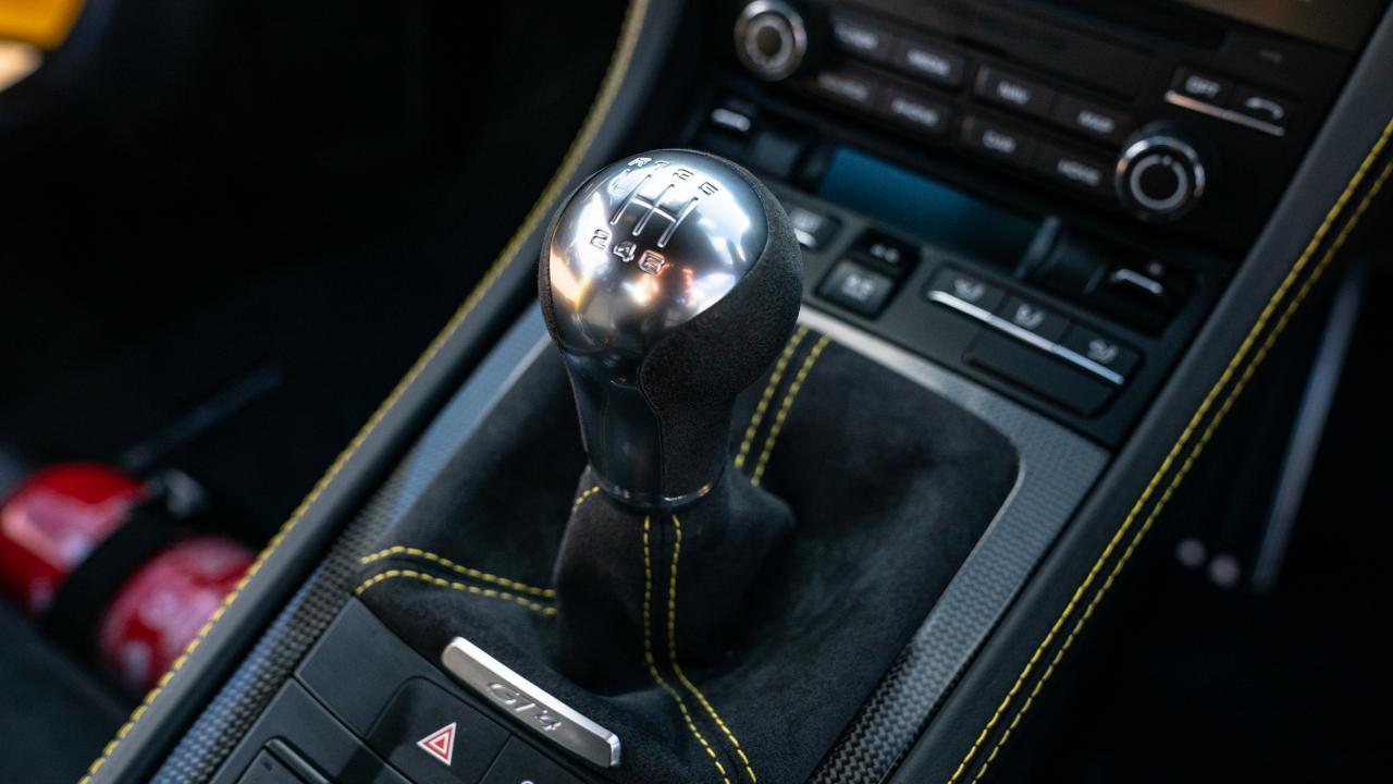 Porsche Cayman 718 GT4 4.0 handbak