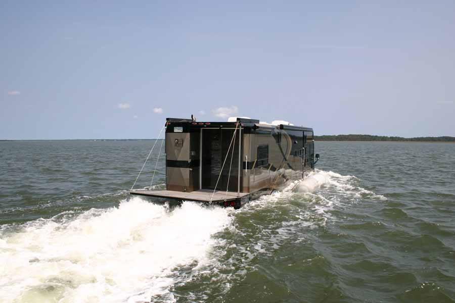Amfibische camper (CAMI Terra Wind)