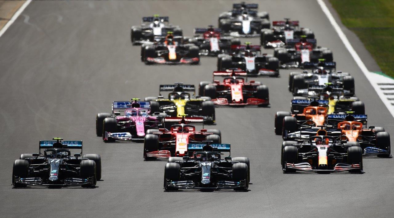 F1-auto's op circuit Silverstone
