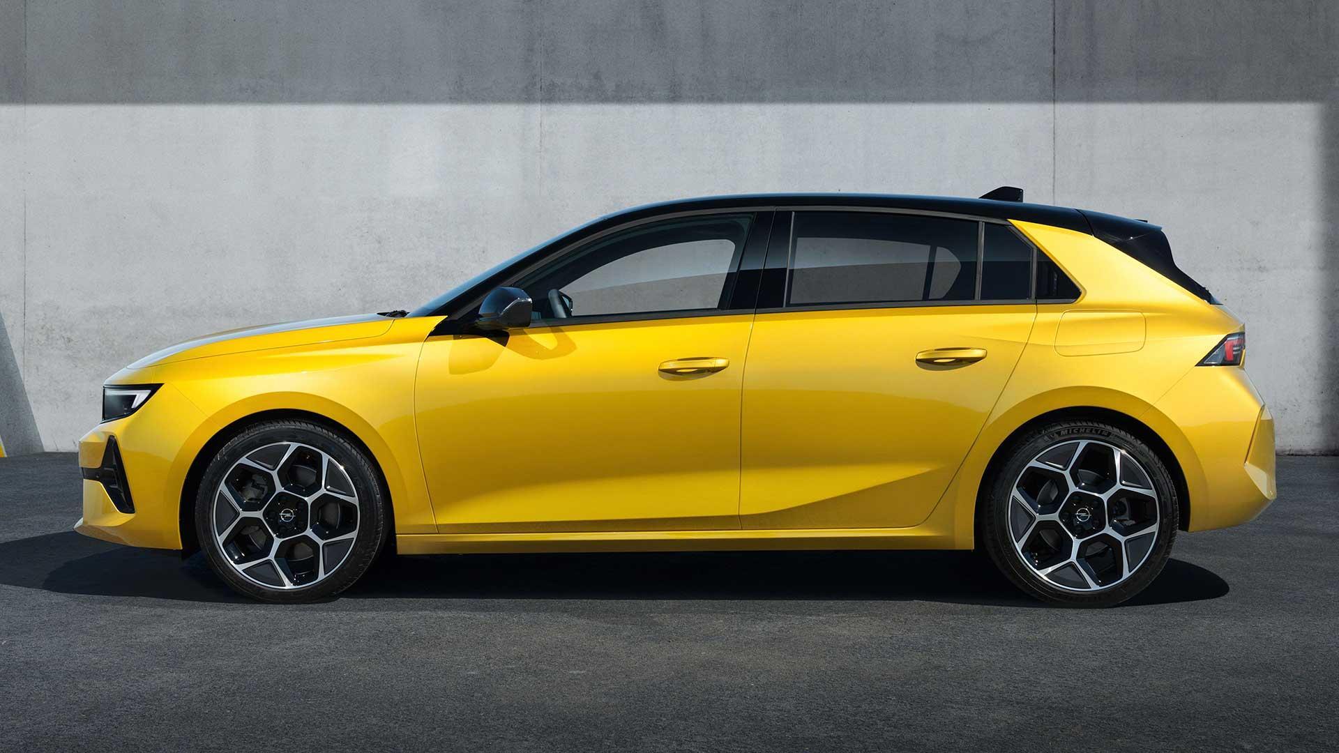 Zijkant Opel Astra (2021)