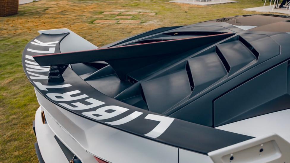 Liberty Walk-bodykit Lamborghini Aventador