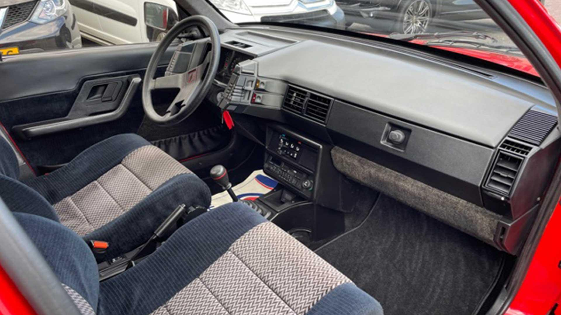 Rode Citroën BX Sport uit Flodder