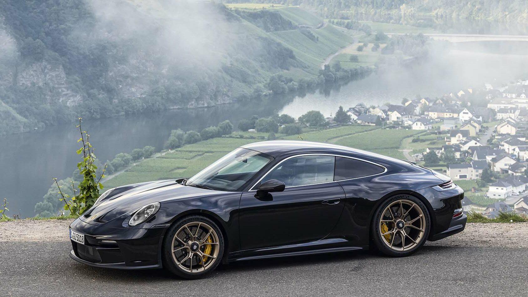 Zijkant Porsche 911 GT3 Touring (992, 2021)