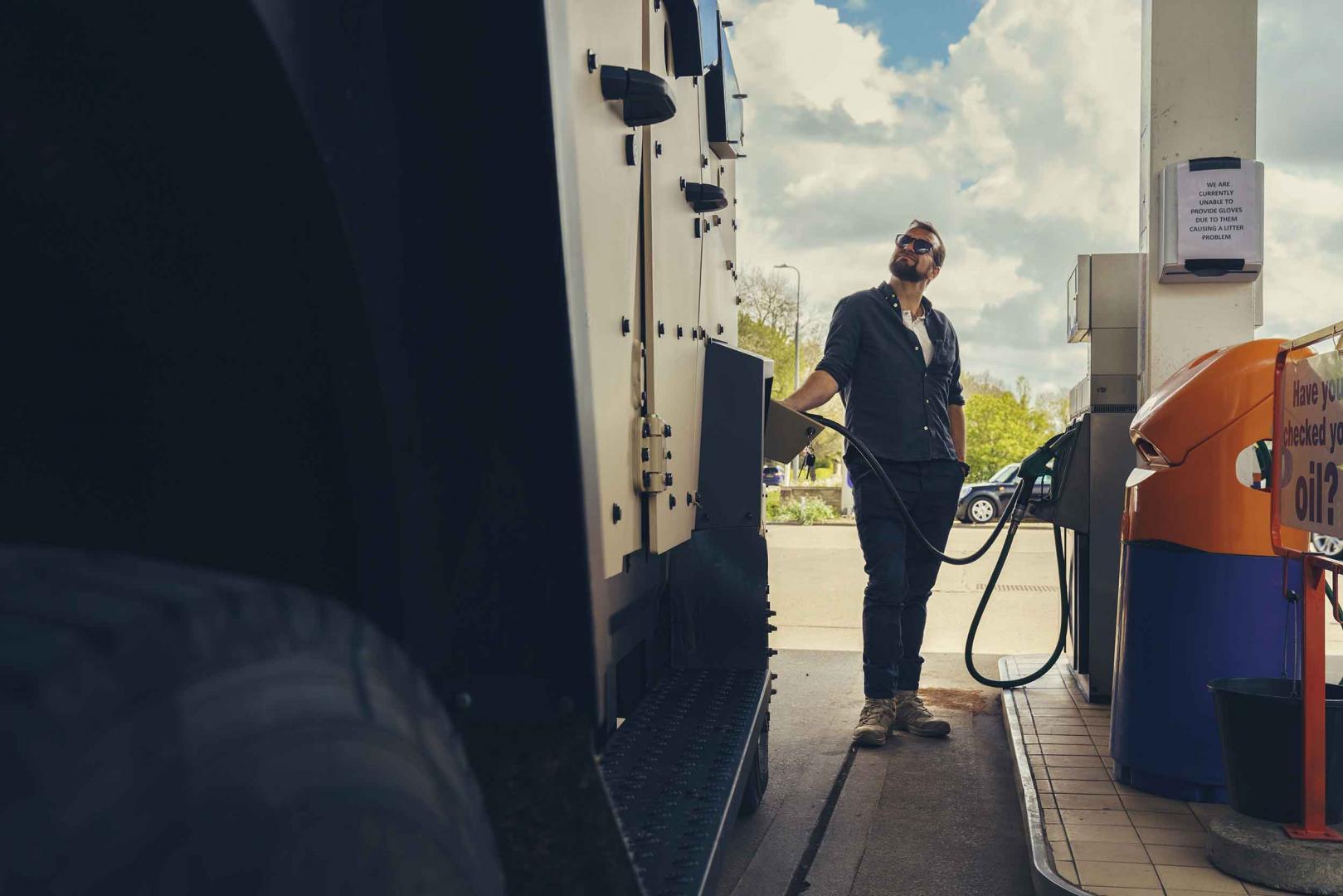 Sandcat tanken (benzine) (tankstation)