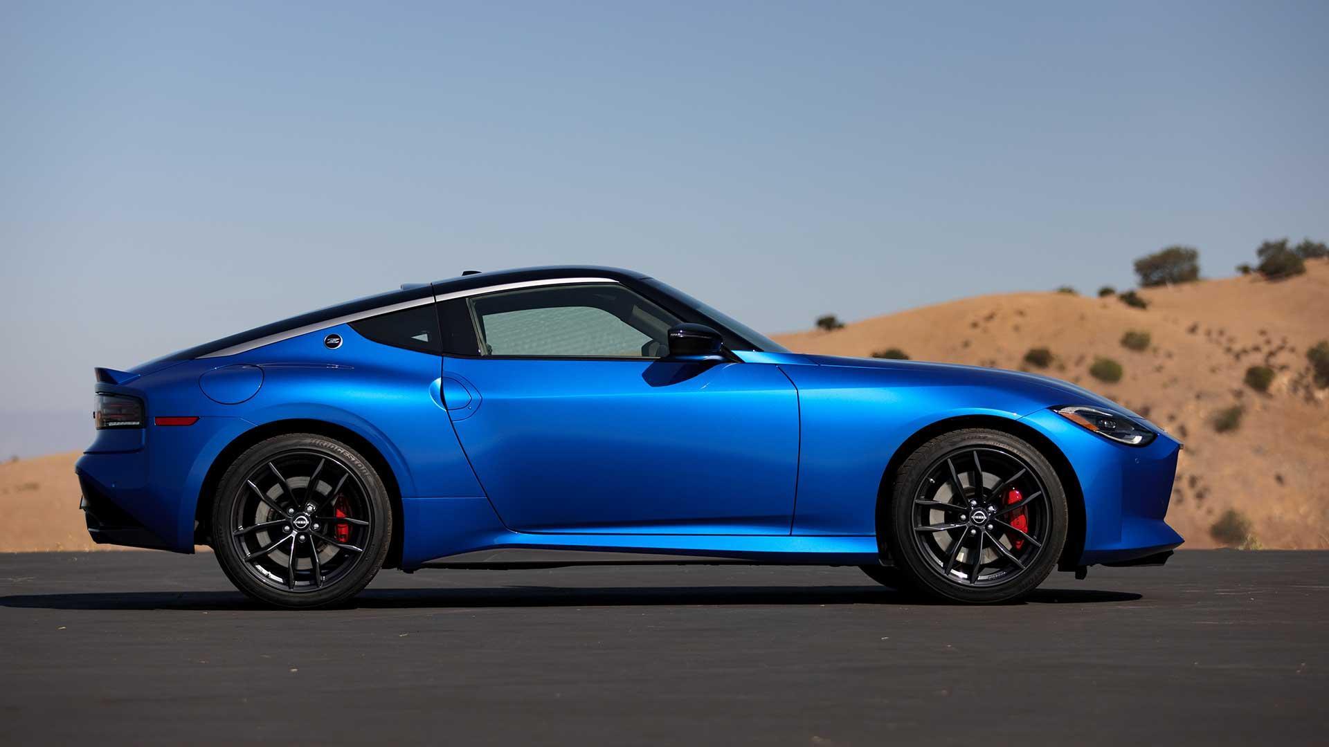 Zijkant Nissan Z (blauw)