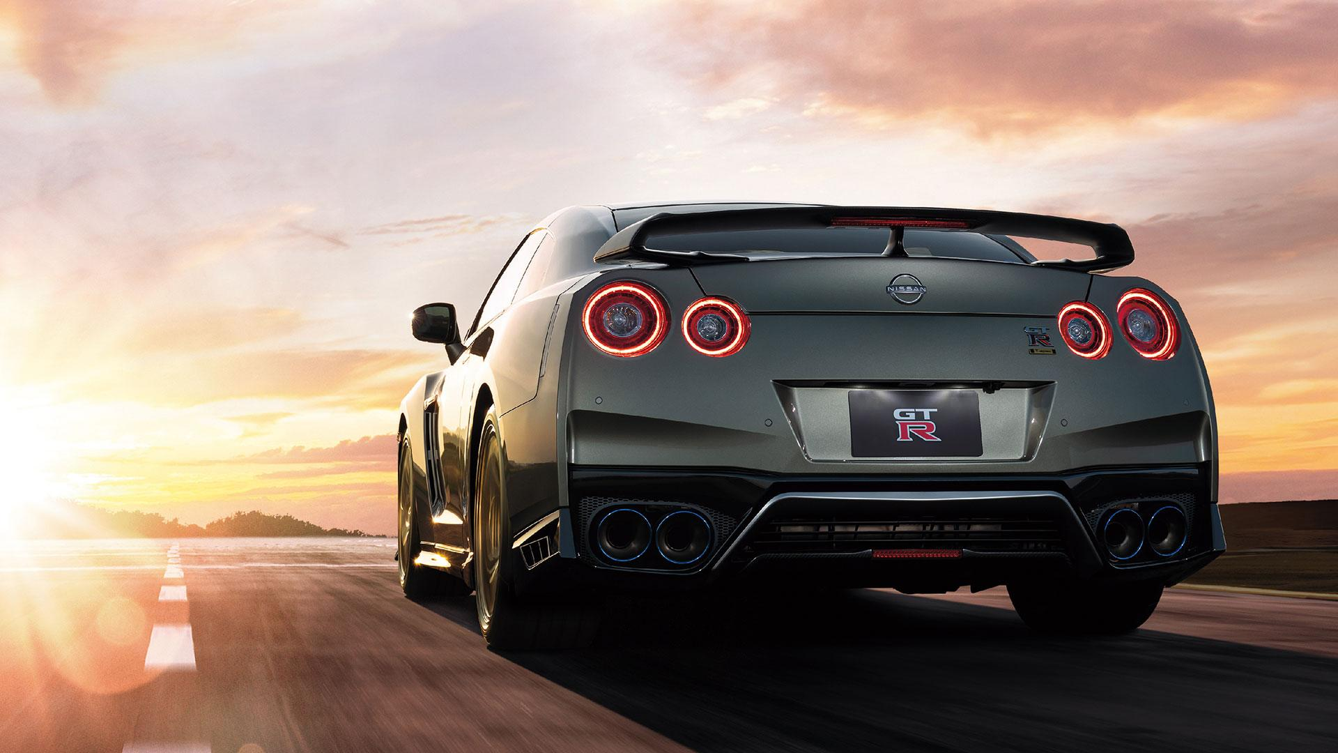 Nissan GT-R T-Spec in Millennium Jade