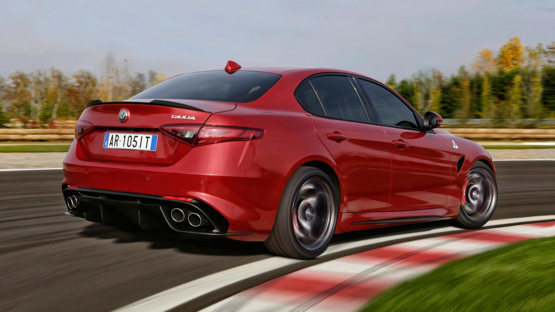 alfa romeo giulia qv 1e rij indruk topgear. Black Bedroom Furniture Sets. Home Design Ideas