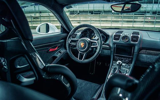 Lotus Elise vs Caterham Seven vs Porsche Cayman GT4