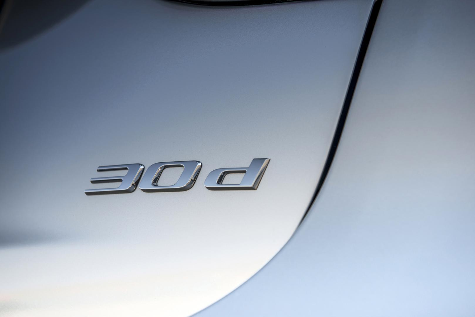 Jaguar XF 3.0 V6 D-S Prestige badge (2015)