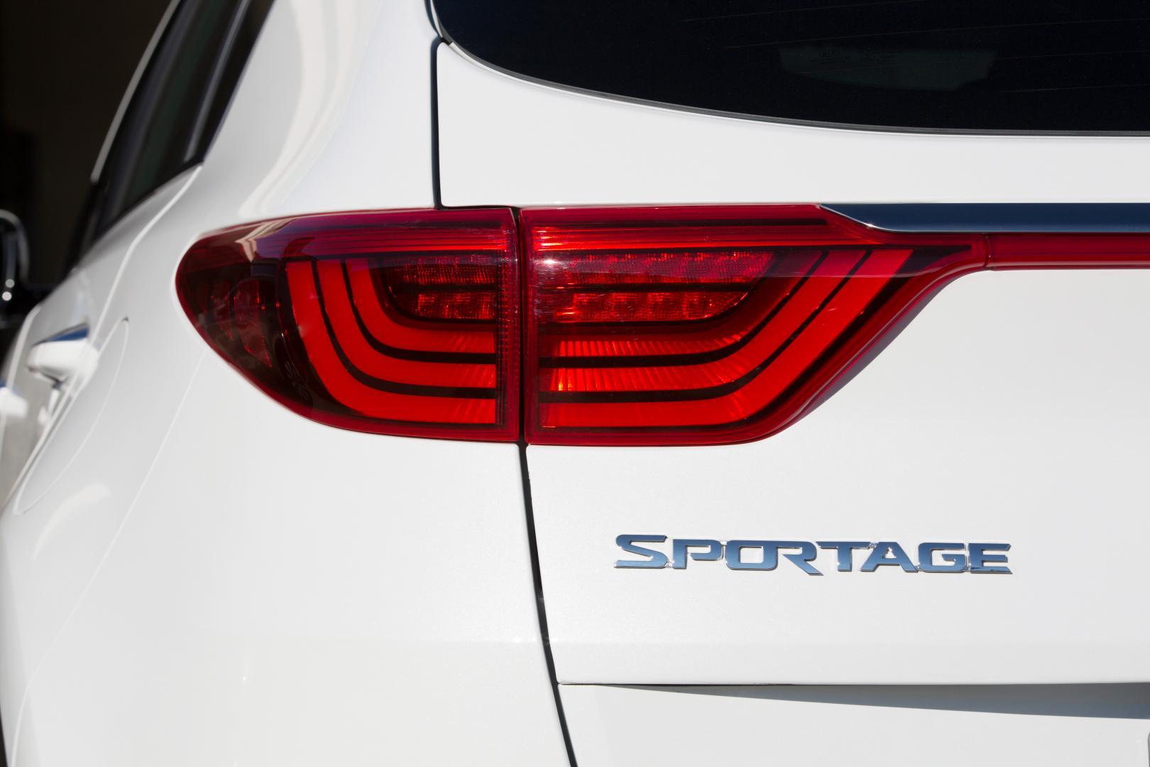 Kia Sportage 1.6 T-GDI achterlicht (2016)