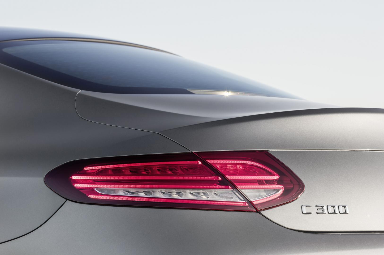 Mercedes C300 Coupé AMG Line achterlicht (2016)