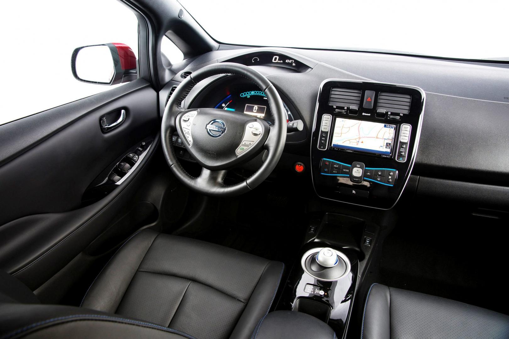Nissan Leaf Tekna 30 kWh interieur (2016)