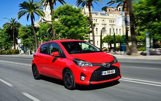 toyota yaris 1 3 vvt i dynamic topgear. Black Bedroom Furniture Sets. Home Design Ideas