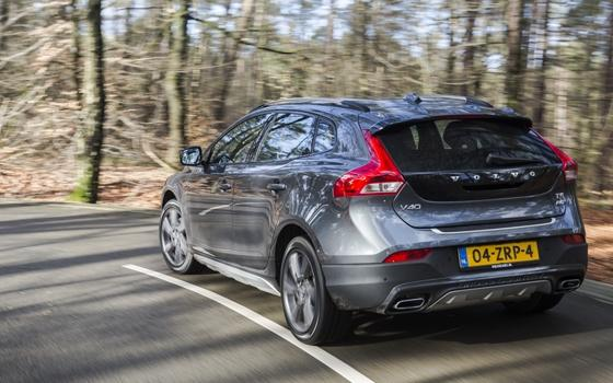 volvo v40 cross country t5 awd topgear. Black Bedroom Furniture Sets. Home Design Ideas
