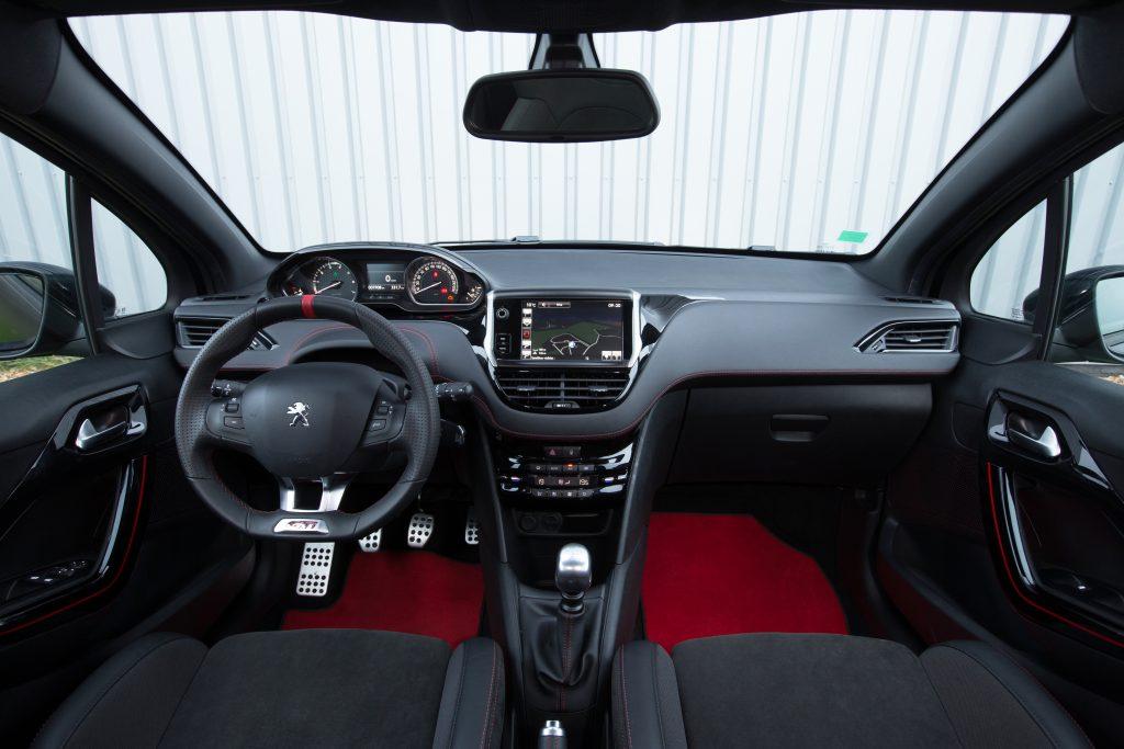 Peugeot 208 GTi 30th interieur (2015)