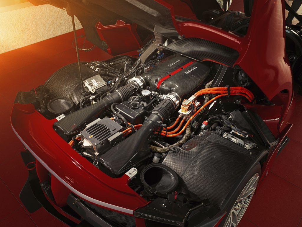 Ferrari FXXK motor (2015)