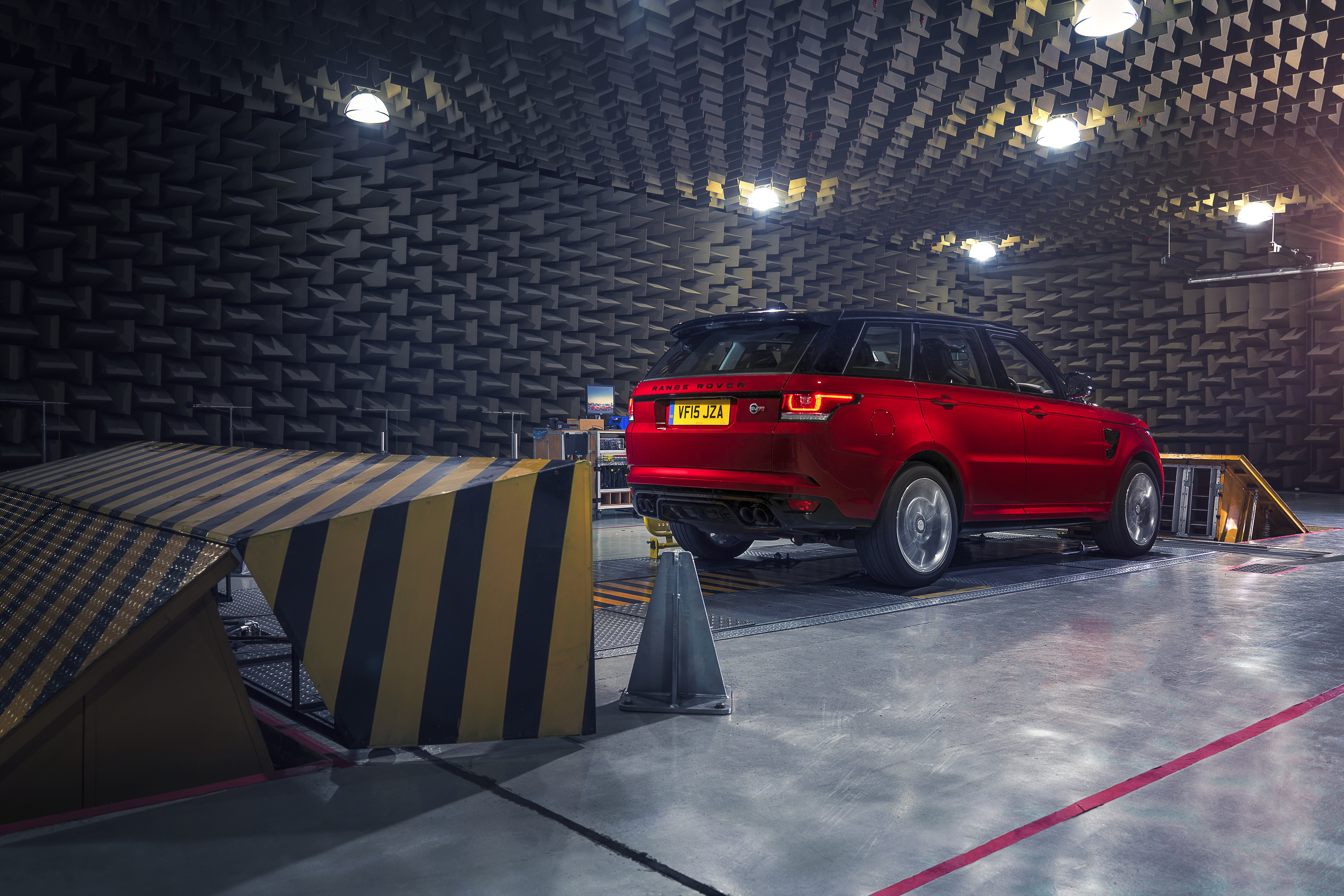 Range Rover Sport Svr De Soundcheck Topgear