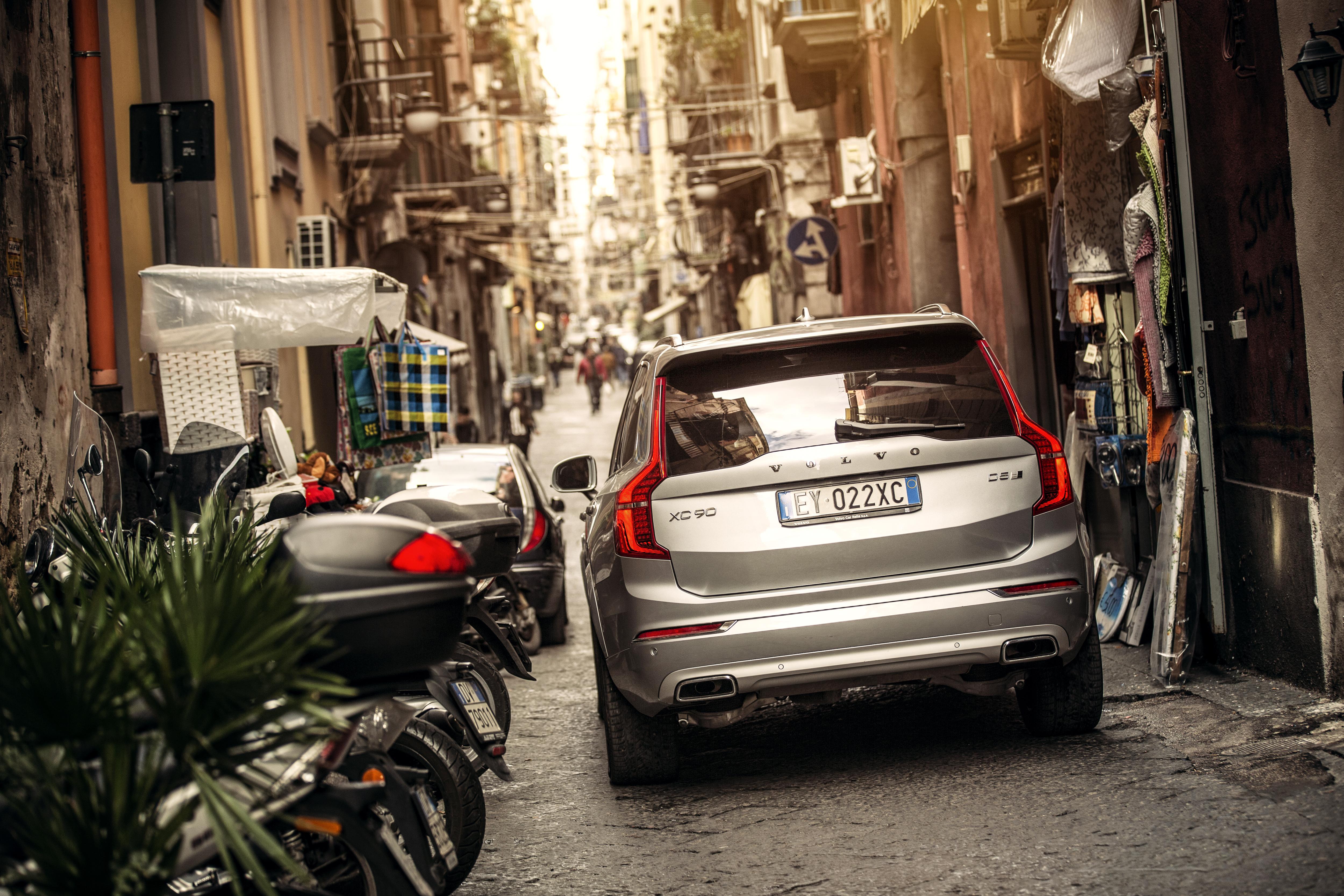 Volvo XC90 in de stad