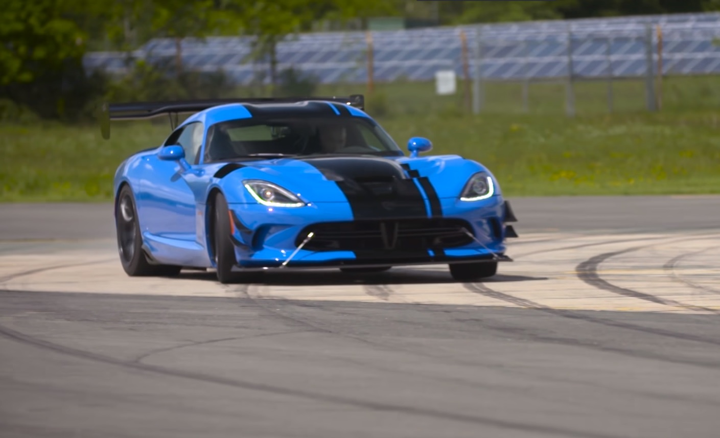 chris harris drives: dodge viper