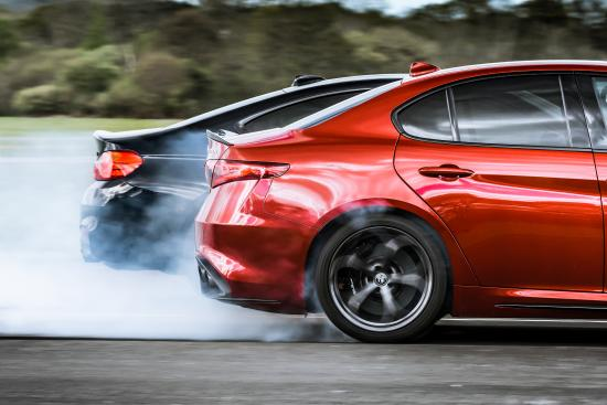 Alfa Romeo Giulia Quadrifoglio vs BMW M4 Competition Pack