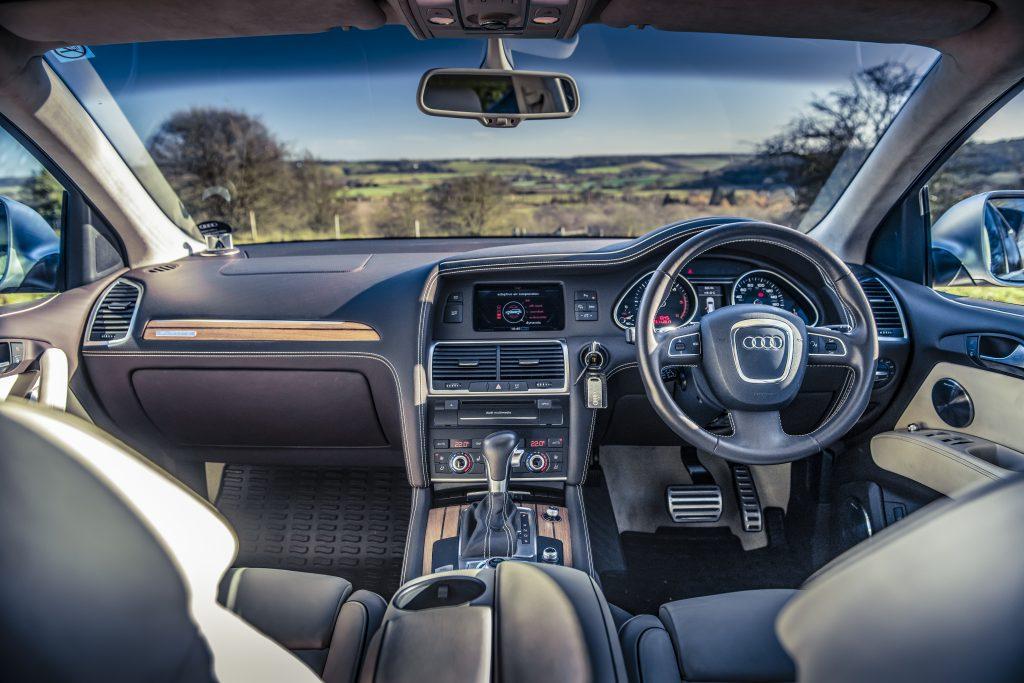 Audi Q7 6.0 V12 TDI Quattro (2009)