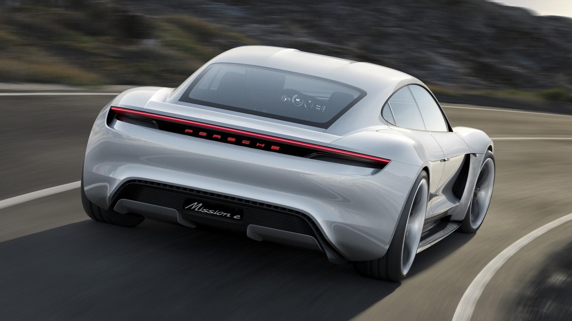 Porsche Mission E stekker