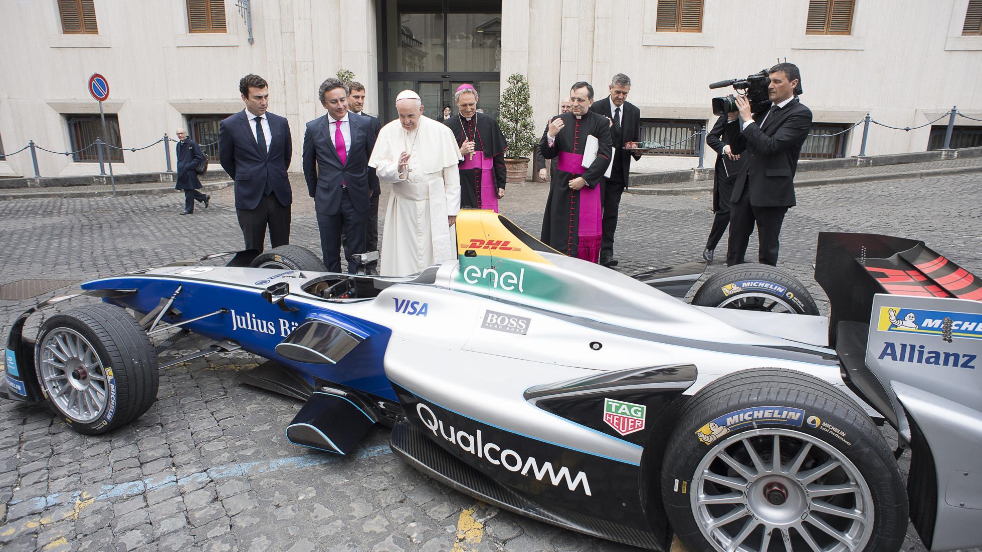 Paus zegent Formule E