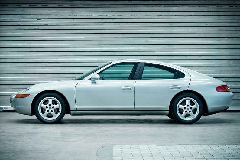 Porsche 989 (1988)