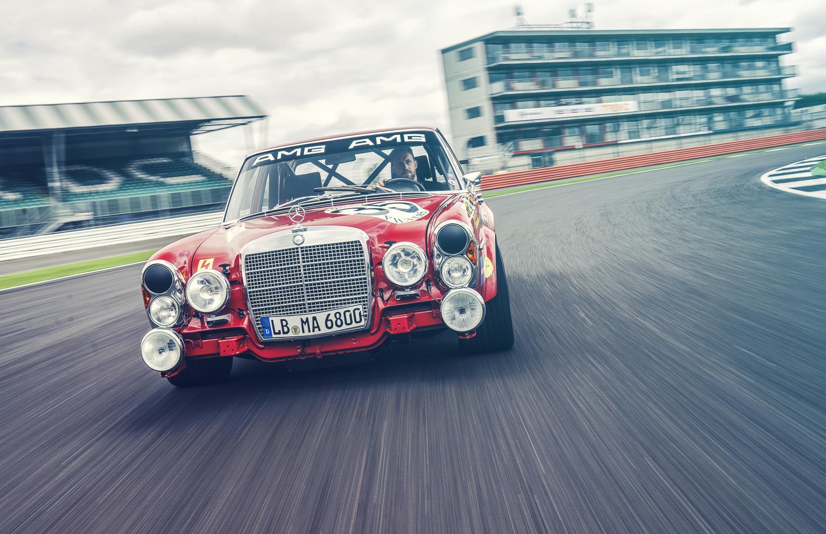 Mercedes 300 SEL Rote Sau rode varkentje